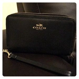 Coach wallet color  black wristlet